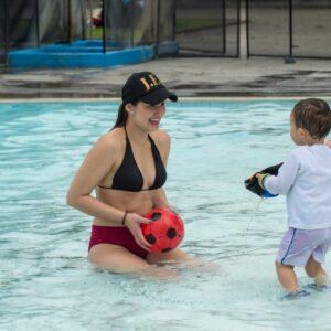 La Rochela piscina niño 3